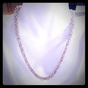 🎁🎄Beautiful. 925 Sterling Silver necklace